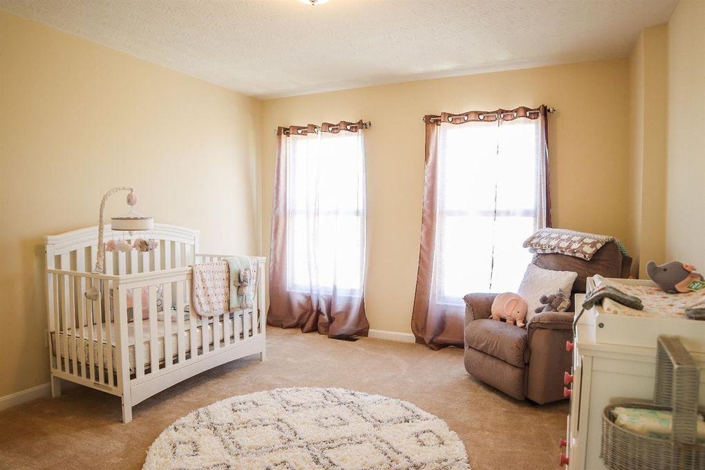 6611 Thistle Grv, Hamilton Township, OH 45152 - Bedroom