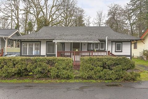 Photo of 375 Park Way, Saint Helens, OR 97051
