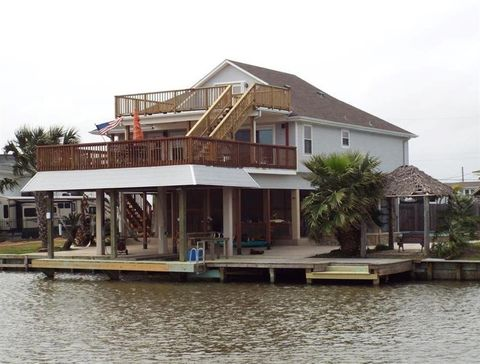 Photo of 421 Ling St, Bayou Vista, TX 77563