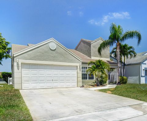 Photo of 8575 Dynasty Dr, Boca Raton, FL 33433