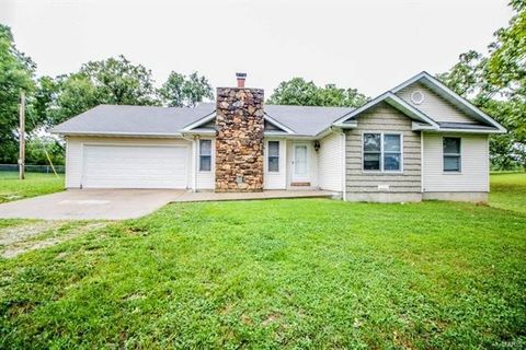 1521 Oak Forest Dr, Rolla, MO 65401