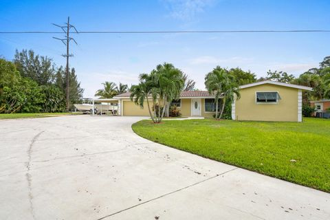 552 Santa Fe Rd, West Palm Beach, FL 33406