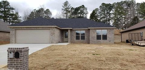 Photo of 2302 S 22nd St, Paragould, AR 72450