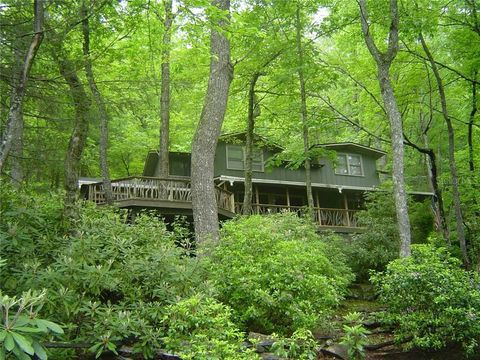 Photo of 19 Owl Pine Rd, Highlands, NC 28741