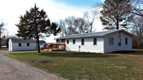 Photo of 309 N Commercial Ave, Blunt, SD 57522