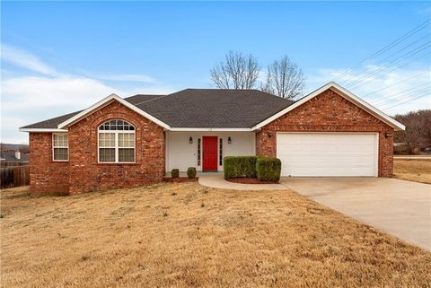 Photo of 32 N Usa Dr, Fayetteville, AR 72701