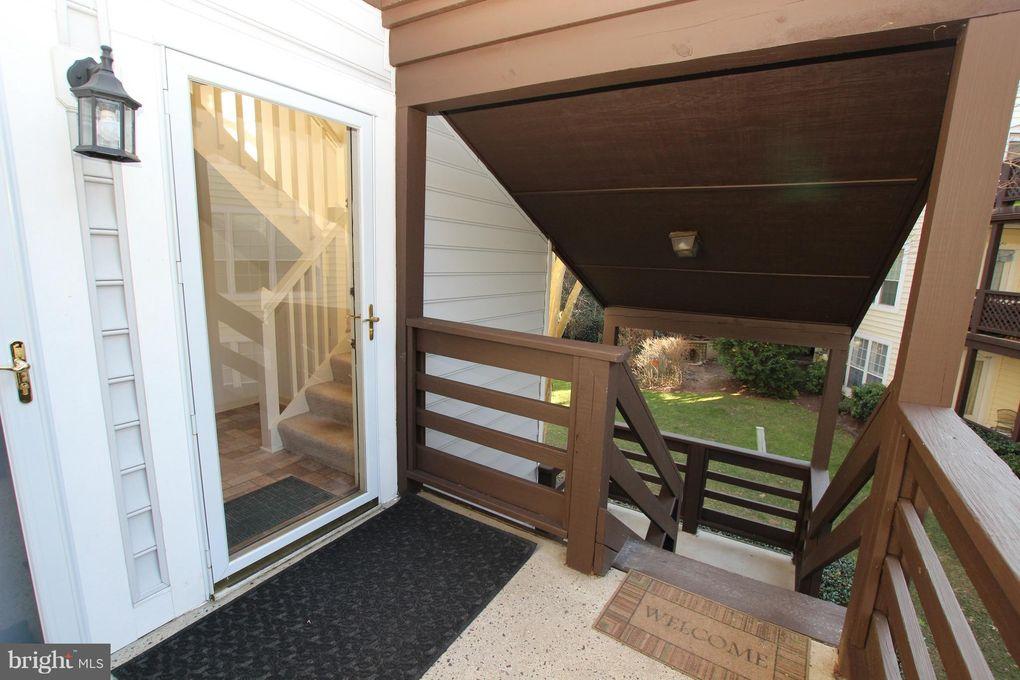 9957 Oakton Terrace Rd Oakton, VA 22124