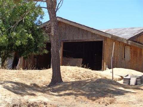 Photo of 37615 Moon Valley Rd, Boulevard, CA 91905
