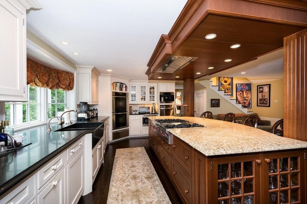 29 Gammons Rd, Cohasset, MA 02025