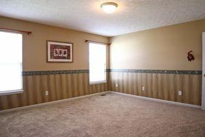 3118 Drew Dr, Hamilton, OH 45011 - Bedroom