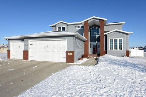 1114 Southwood Dr, Dilworth, MN 56529