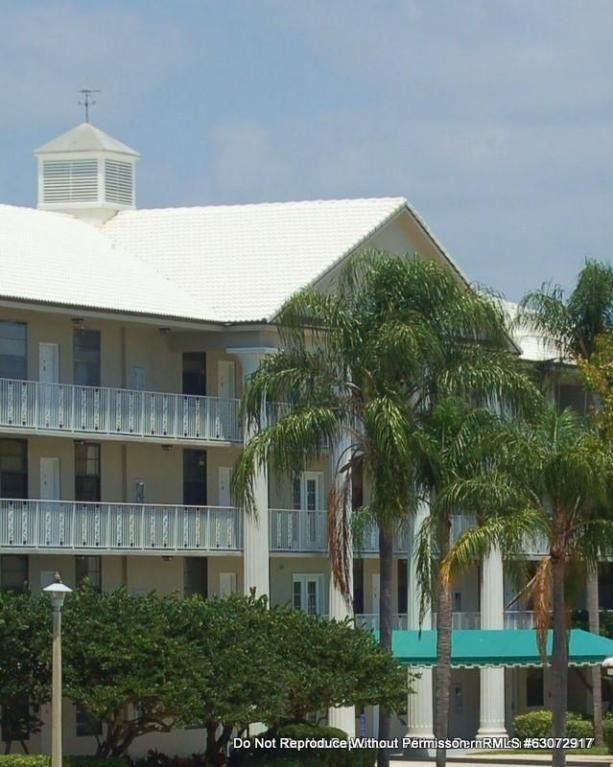 3540 Whitehall Dr Unit 12-105 West Palm Beach, FL 33401