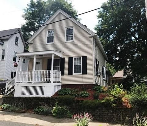 Photo of 10 S Lincoln St, Haverhill, MA 01835