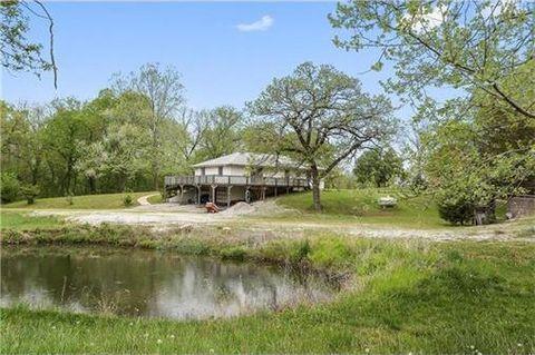 9395 Cedar Creek Rd, De Soto, KS 66018