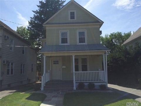36 S Bayles Ave, Port Washington, NY 11050