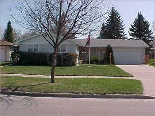 1522 8th Ave Nw, East Grand Forks, MN 56721