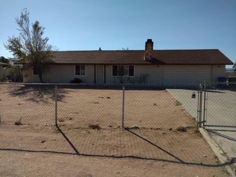22251 Miramot Rd, Apple Valley, CA 92308