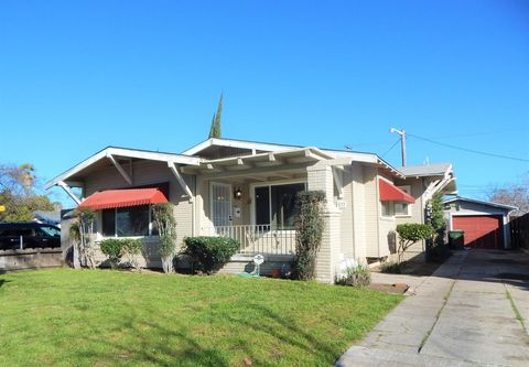 Photo of 537 W Olive Ave, Turlock, CA 95380