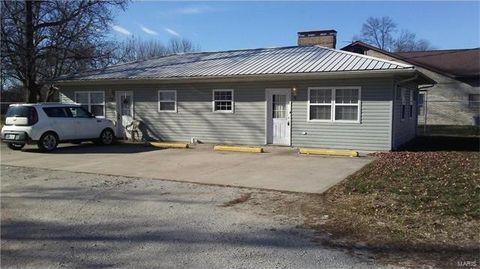 820 E John St, Bunker Hill, IL 62014