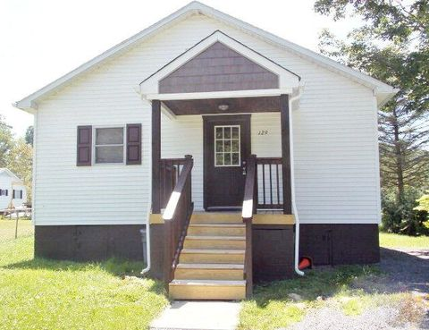 129 Gillespie Rd, Piney View, WV 25906