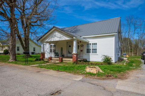Photo of 109 Beechwood Ave, Cornersville, TN 37047