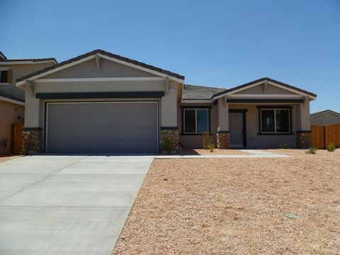 3566 Half Dome Ave, Rosamond, CA 93560