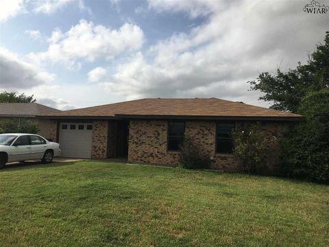 1308 Bluejay St, Iowa Park, TX 76367