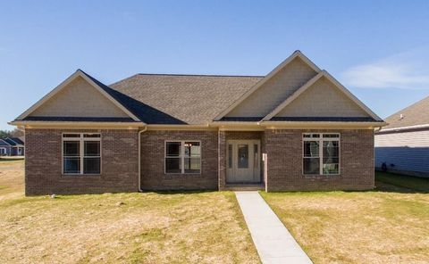 Photo of 1135 Red Pine Cir, West Paducah, KY 42086