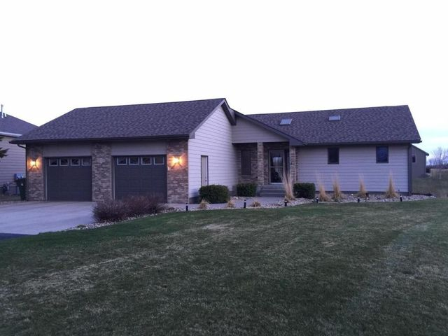 2933 Dailey Dr Mitchell Sd 57301