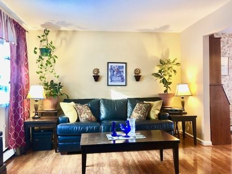 Photo of 76 Colonial Dr Apt 16, Hartford, VT 05001