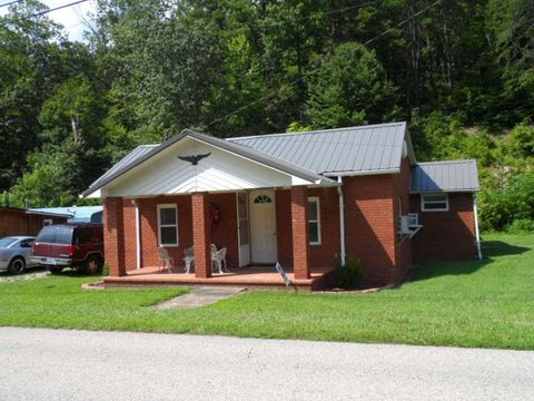 4133 State Highway 773, Hitchins, KY 41146