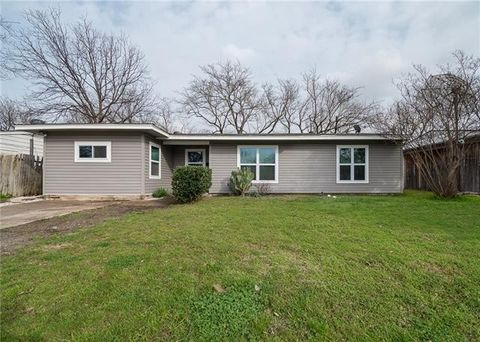 Photo of 1005 Highland Dr, Grand Prairie, TX 75051