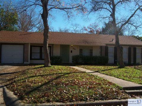 429 Moore St, Seguin, TX 78155
