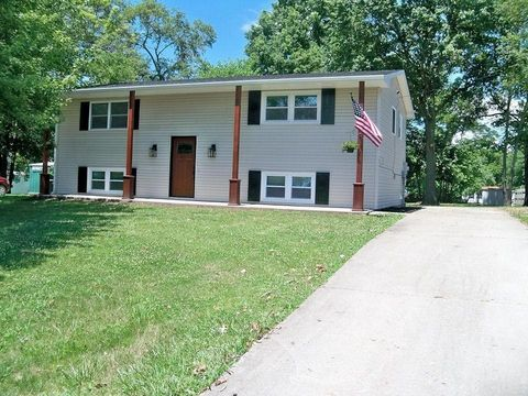405 Huntsville Ave, Huntsville, MO 65259