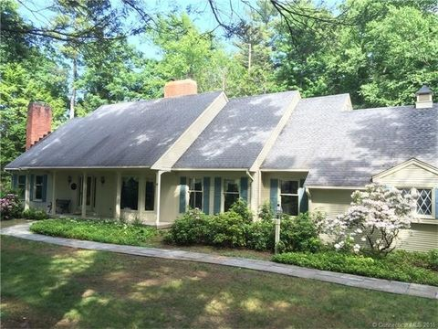 4 Ardsley Way, Avon, CT 06001