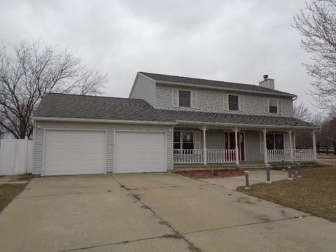 305 Twilight Dr, Morris, IL 60450