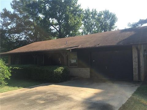 Photo of 2307 Palato Dr, Marshall, TX 75672
