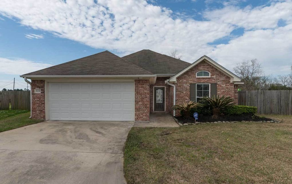 5135 Canyon Cir, Beaumont, TX 77707