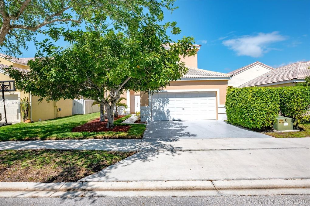 1031 Briar Ridge Rd, Weston, FL 33327