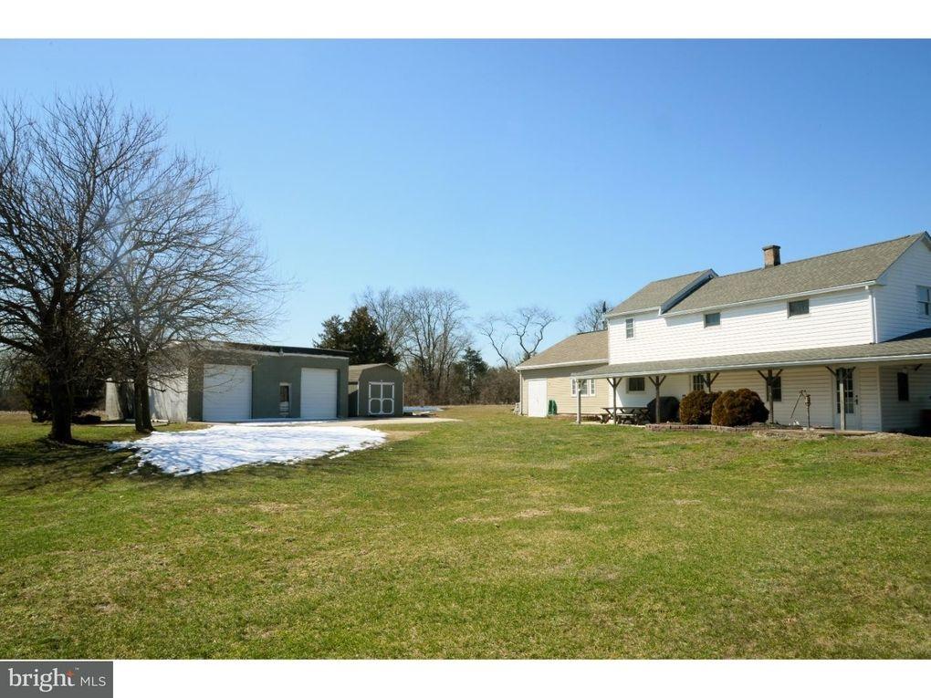 2664 Geryville Pike, Pennsburg, PA 18073
