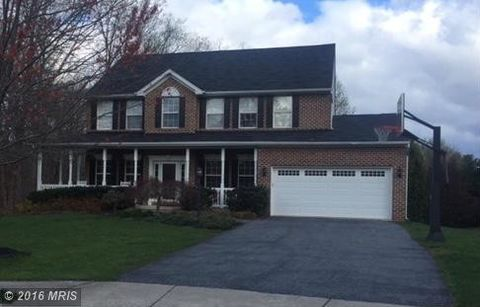 402 Leafy Hollow Ct, Mount Airy, MD 21771