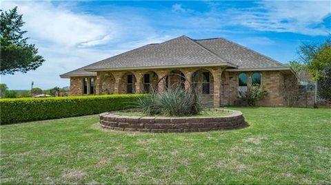Photo of 513 Sunflower St, Red Oak, TX 75154