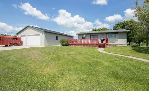 Photo of 409 Park Ave, Christine, ND 58015