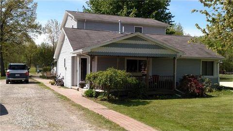 7135 Shea Rd, Cottrellville Township, MI 48039