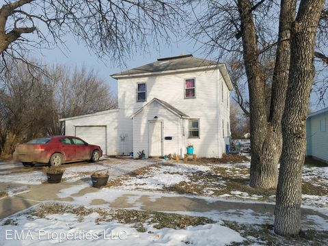 Photo of 914 E 3rd St, Webster, SD 57274