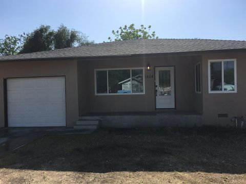 1424 Chase Ave, Corcoran, CA 93212