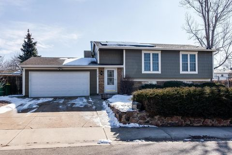 Photo of 1194 S Lewiston Way, Aurora, CO 80017
