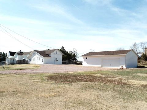 Photo of 1327 Sheridan St, Hot Springs, SD 57747