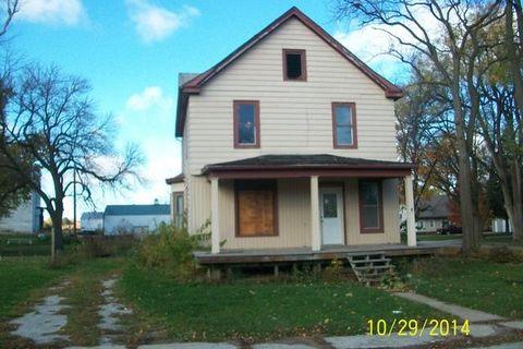 112 N 3rd St, Chatsworth, IL 60921
