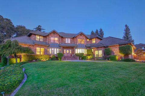 Photo of 4801 Winding Ridge Ct, Sacramento, CA 95841